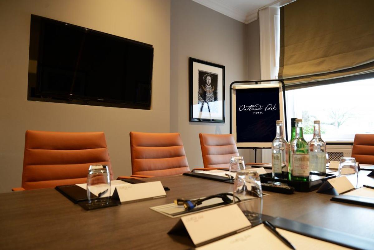 Oatlands Park Hotel meeting room